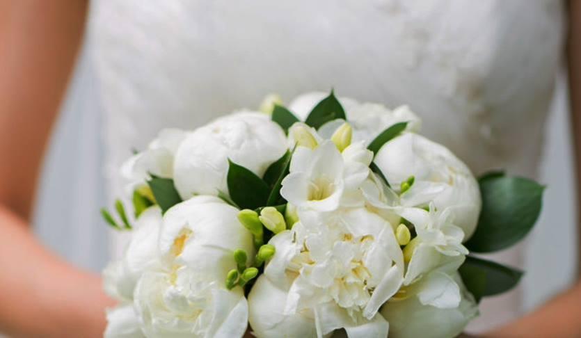 bouquet_sposa_bianco_peonie