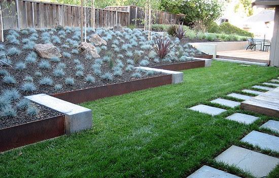 Bordure e recinzioni fai da te per giardini - Bordure giardino fai da te ...