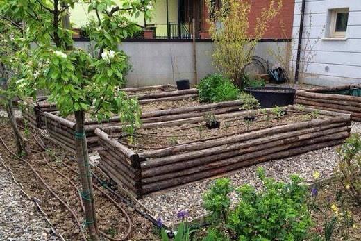Bordure e recinzioni fai da te per giardini for Idee giardino semplice