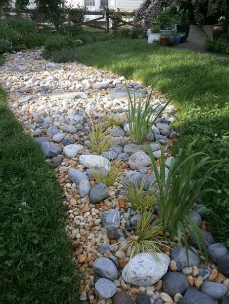 V di vialetti da giardino idee per sentieri for Idee di giardino